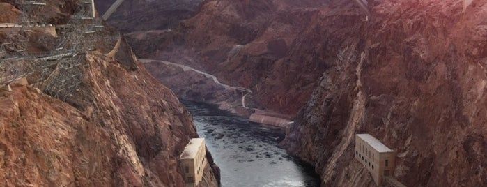 Hoover Dam Security Checkpoint is one of Tempat yang Disukai Alberto J S.
