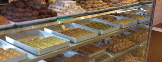Pileki Patisserie & Cafe is one of Gül 🌹'ın Beğendiği Mekanlar.