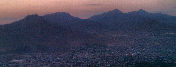 Franklin Mountains State Park is one of Orte, die Jhalyv gefallen.
