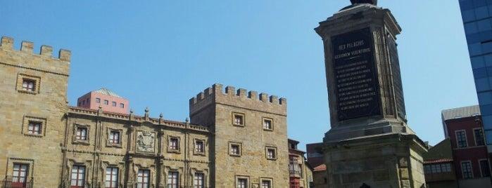 Plaza del Marqués is one of Monumentos y edificios singulares de Gijón.