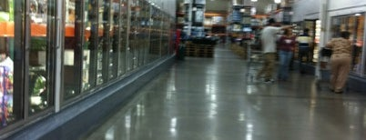 Costco Wholesale is one of Tempat yang Disimpan Ivy.