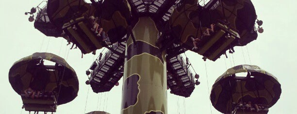 Toy Soldier Parachute Drop is one of Lugares favoritos de Winnie.