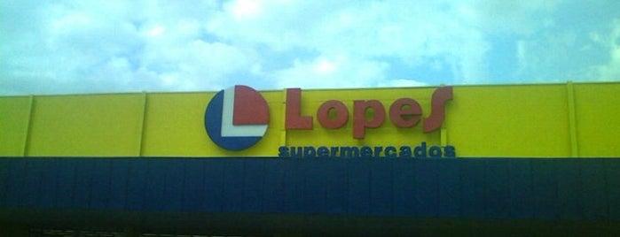 Supermercados Lopes is one of Tempat yang Disukai Sandra.