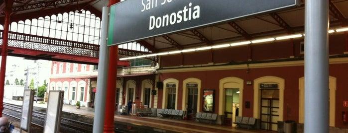 Estación de Donostia-San Sebastián is one of Cristina : понравившиеся места.