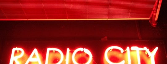 Radio City is one of Valencia - bars.