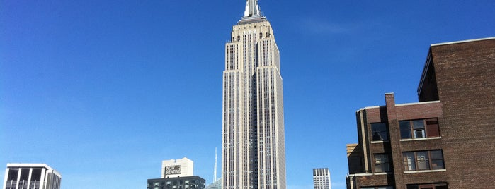 Empire State Binası is one of NYC I see.