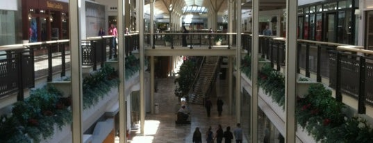Exton Square Mall is one of Posti che sono piaciuti a Mike.
