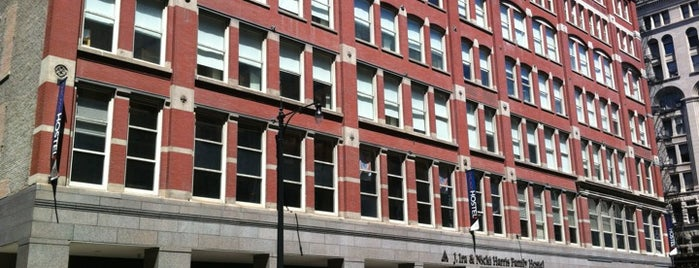 Hostelling International Chicago is one of Chicago2.