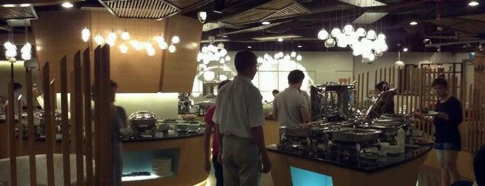 Hoàng Yến is one of 해외음식점.
