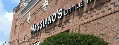 Maggiano's Little Italy is one of Orte, die Michael gefallen.