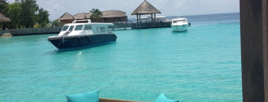 Arrival Jetty/Jumeirah Vittaveli is one of Maldives - The Sunny Side of Life.
