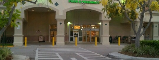 Publix is one of Tempat yang Disukai SK Luxury.