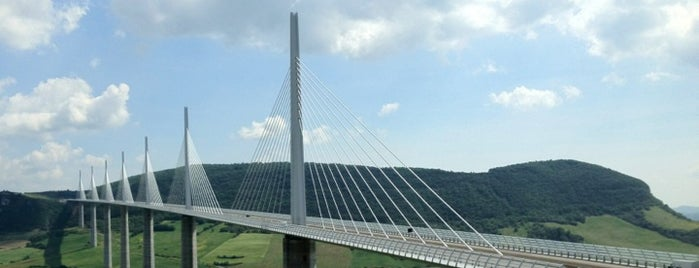 Viaducto de Millau is one of wonders of the world.