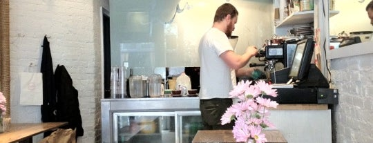 Ruby's Café is one of Lugares favoritos de Stephen.