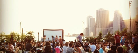 Syfy Movies With A View is one of Locais curtidos por Russ.