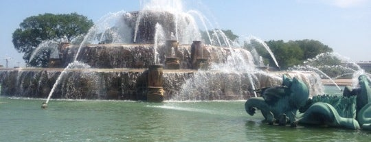 Clarence Buckingham Memorial Fountain is one of 101 places to see in Chicago before you die.