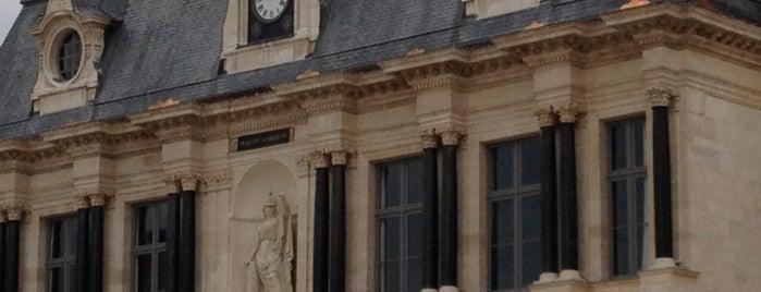 Hôtel de ville de Troyes is one of Troyes.