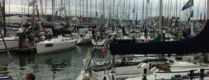 Cowes Yacht Haven is one of Lieux qui ont plu à Carl.