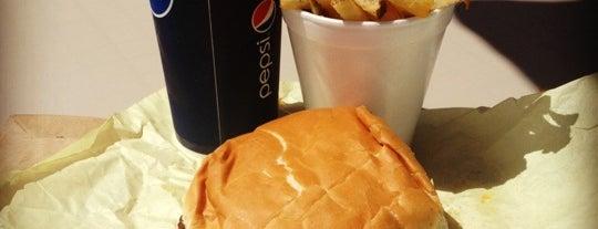 Bud's Giant Burgers is one of Lieux sauvegardés par Alan.