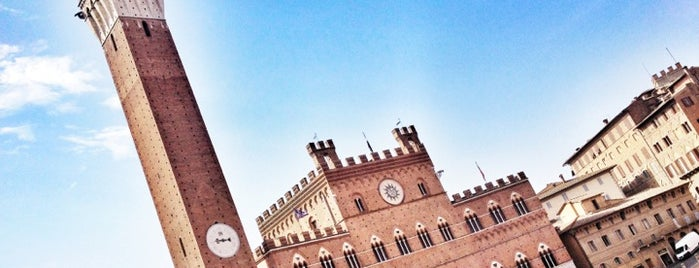 Piazza del Campo is one of Favorite Places.