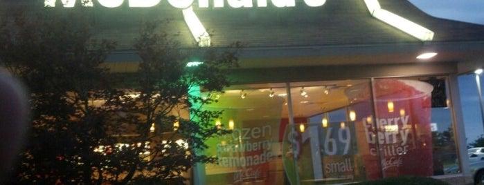 McDonald's is one of Lugares favoritos de Cindy.