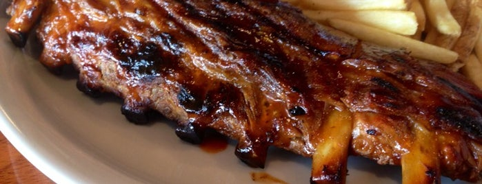 Tony Roma's Ribs, Seafood, & Steaks is one of Locais curtidos por Alicia.