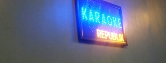 Karaoke Republic is one of Kenn Rさんのお気に入りスポット.
