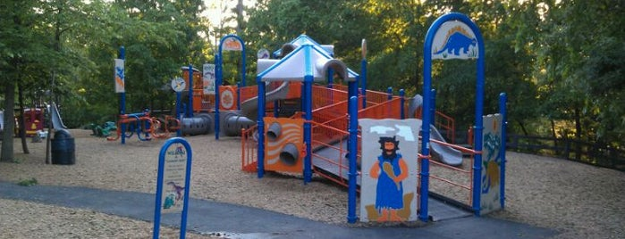 Ashburn Park is one of Recreation.