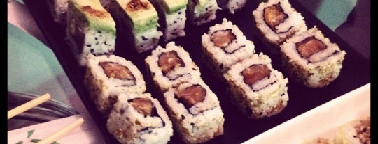 Hafu Sushi Delivery is one of Lieux qui ont plu à Max.
