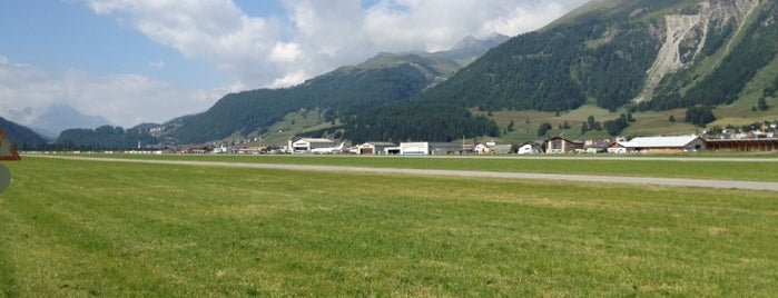 Samedan Airport is one of triangolo.