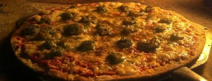 La Taula - Pizzas a la Leña is one of Tempat yang Disukai Melissa.