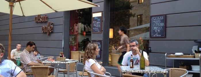 Alsur Café (El Born) is one of Meriendas.