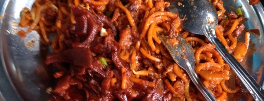 "Hameed ""PATA"" Special Mee Sotong is one of Hirorie 님이 저장한 장소."
