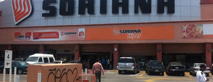 Soriana Hiper is one of Locais curtidos por Erin.