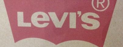 Levi's Store is one of Locais curtidos por Igor.