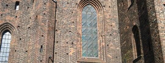 Sankta Maria kyrka is one of Tempat yang Disimpan Simonen.