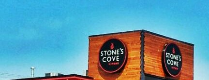 Stone's Cove Kitbar is one of Fernandoさんのお気に入りスポット.