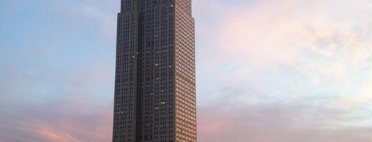 Edificio Empire State is one of NEW YORK CITY : Manhattan in 10 days! #NYC enjoy.