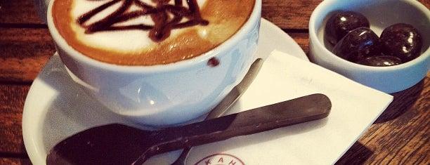 Kahve Dünyası is one of Hülya&Engin'in Beğendiği Mekanlar.