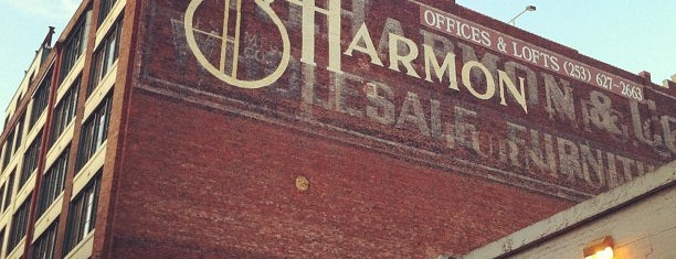 Harmon Brewery & Restaurant is one of Locais salvos de Brent.
