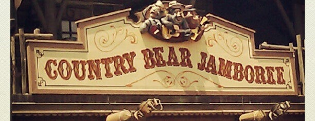 Country Bear Jamboree is one of Orte, die GreatStoneFace gefallen.