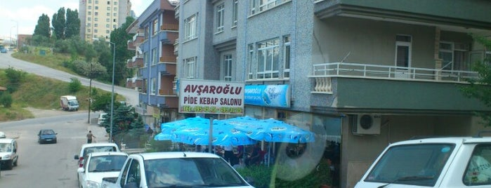 Avşaroğlu Pide Ve Kebap Salonu is one of สถานที่ที่บันทึกไว้ของ Emre.