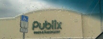 Publix is one of Locais curtidos por Darryl.