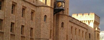 Torre de Londres is one of London Essentials.
