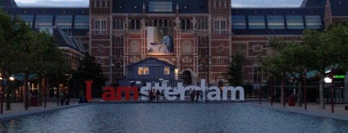 I amsterdam is one of Hollanda.