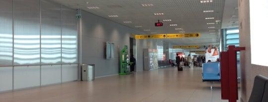 Lizbon Humberto Delgado Havalimanı (LIS) is one of Airports.