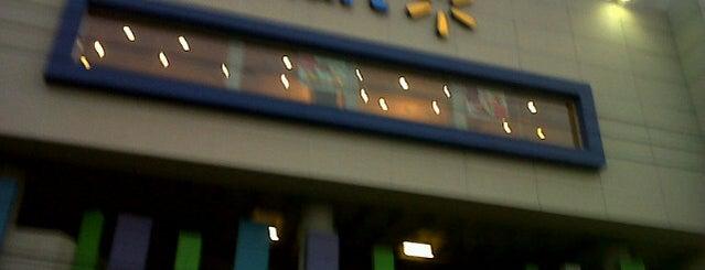 Walmart is one of Joaquin'in Beğendiği Mekanlar.