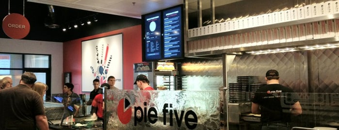 Pie Five Pizza is one of KATIE 님이 좋아한 장소.