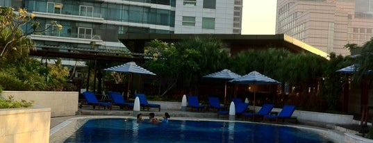 Kempinski Swimming Pool is one of 1 day grand indo, thamrin.