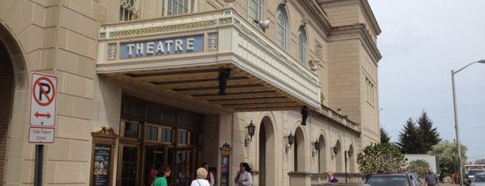 Hershey Theatre is one of Orte, die Chrissy gefallen.